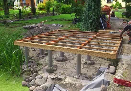 Holzterasse in Bau